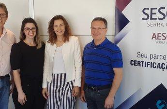 Da direita para esquerda: Ademar Scariot (Coordenador), Ivana Florêncio (vice), Mayara Fioreze (Secretária) e Edison Maletz (Gerente Trino Polo)
